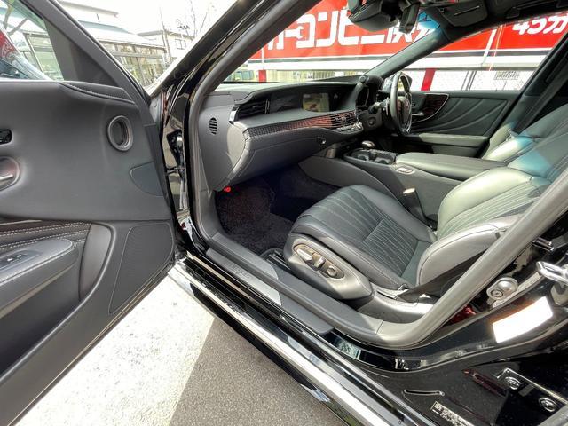 LS500h AWD エグゼクティブ WALD仕様 OZ22アルミ サンルーフ 黒革シート エアサスコントローラー リアエンターテイメント セーフティシステム+A マークレビンソン デジタルインナーミラー 新車保証継承 212ブラック(20枚目)
