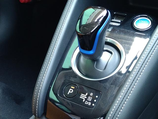 X ツートーンインテリアエディション 登録済未使用車 LEDヘッドライト プロパイロット シートヒーター 全周囲カメラ 踏み間違い防止 車線逸脱 ハイビームアシスト(11枚目)