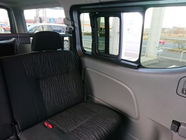 ロングプレミアムGXターボ 登録済未使用車 寒冷地 助手席エアバッグ LEDヘッドライト 全周囲カメラ エマージェンシーブレーキ ディーゼルターボ 4WD インテリキー(18枚目)