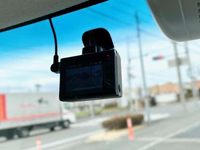 G・Lホンダセンシング インターナビ 両側パワースライド 社外ドラレコ ETC リアカメラ サイドエアバッグ カーテンエアバッグ LEDヘッドライト ステアリングスイッチ USBジャック ロールサンシェード ワンオーナー(14枚目)