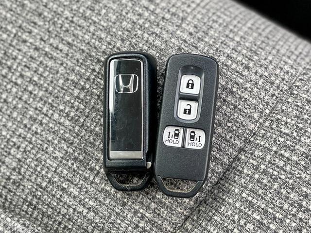 G・Lホンダセンシング インターナビ 両側パワースライド 社外ドラレコ ETC リアカメラ サイドエアバッグ カーテンエアバッグ LEDヘッドライト ステアリングスイッチ USBジャック ロールサンシェード ワンオーナー(21枚目)