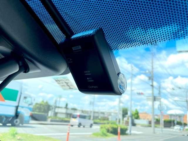 EX ホンダセンシング インターナビ 純正ドラレコ リアカメラ 革シート ETC2.0 電動シート シートヒーター パドルシフト USB 純正17インチアルミ オートリトラミラー ワンオーナー(3枚目)