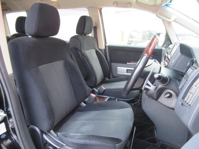 シャモニー 4WD 両側電動 フリップダウン 電動シート(11枚目)