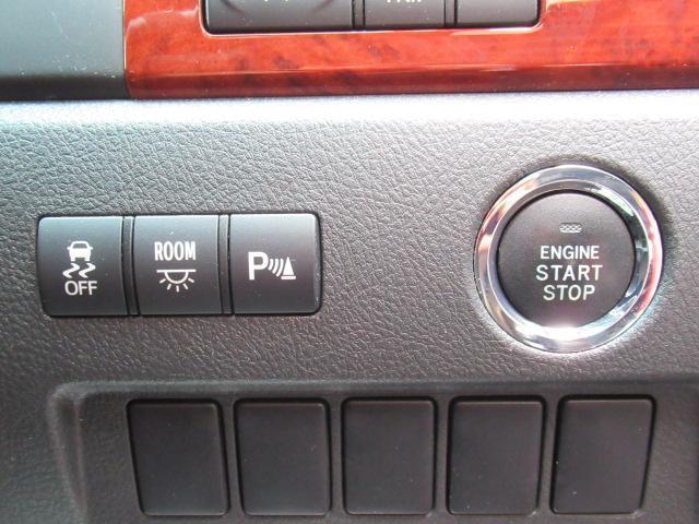 【コーナーセンサー】付きですので障害物に近づいたときに音で知らせてくれるので便利な機能です!!