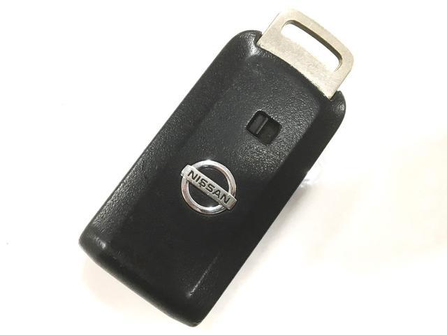 便利なスマートキー装備なので乗り降りの際一回一回キーを取り出す手間いらず!お買いもので両手がふさがっていたりするととっても便利ですよ☆