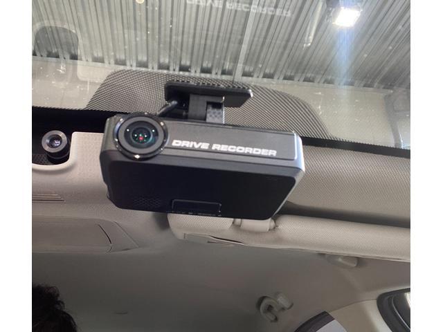200GT-tタイプSP メーカーナビ・アラウンドビューモニター・Bluetoothオーディオ・フルセグ・レーダークルーズコントロール・ブラインドスポットモニター・エマージェンシーブレーキ・ドラレコ・黒本革シートシートヒーター(9枚目)