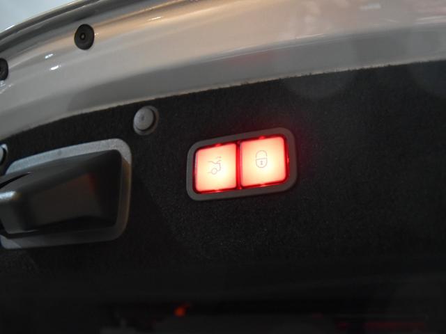 ■pre-SAFEブレーキ(歩行者検知機能付) ■リア CPA(被害軽減ブレーキ付後方衝突警告システム)