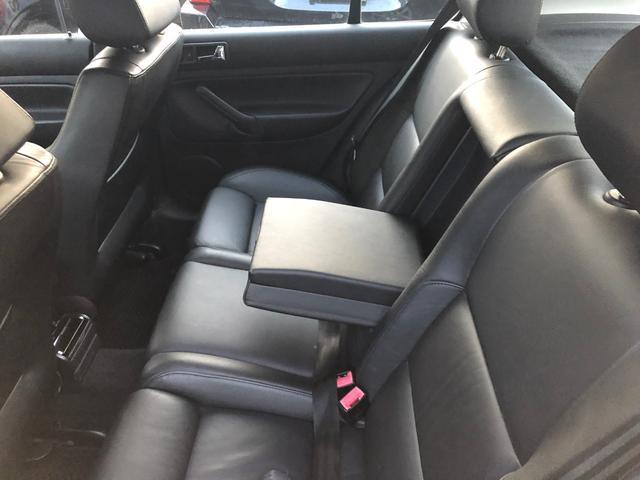 イクセプト 新車ワンオーナー車 左ハンドル HIDヘッドライト シートヒーター 純正16インチアルミ(10枚目)
