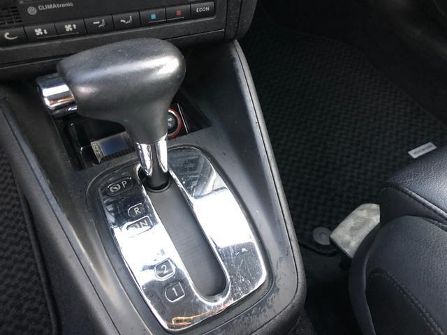 イクセプト 新車ワンオーナー車 左ハンドル HIDヘッドライト シートヒーター 純正16インチアルミ(13枚目)