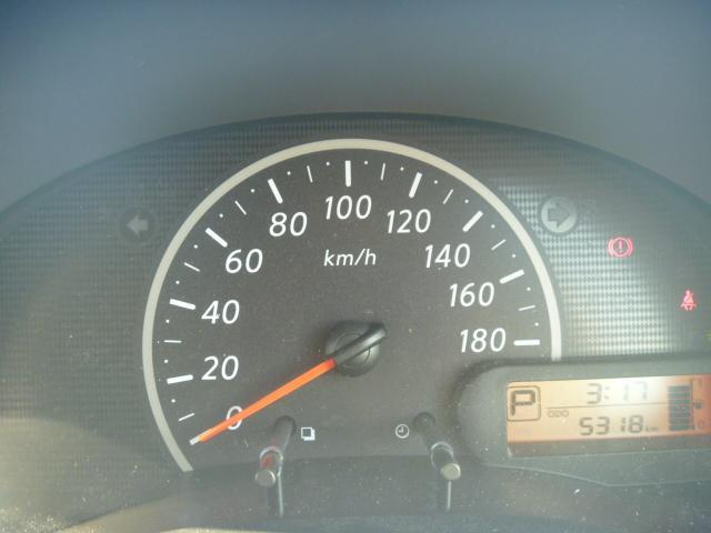 燃費、エコ運転状況など多彩な情報を表示するディスプレイメーター!