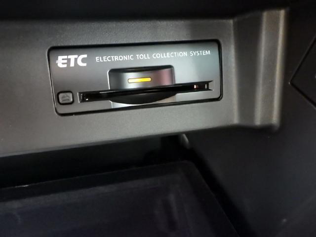 ETCで高速道路の料金所もらくらく通過できます