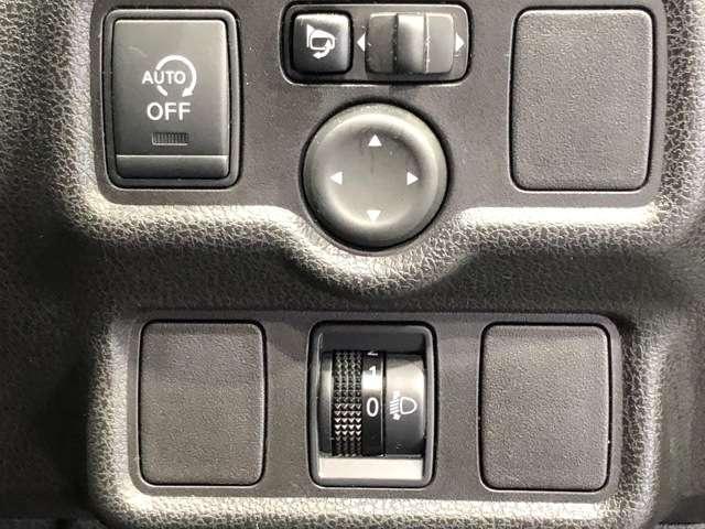 《アイドリングストップ》ガソリンを節約するために、クルマが自動的に判断してエンジンを停止するのがアイドリングストップです★