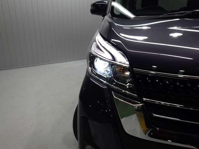《LEDヘッドライト》LEDヘッドライトで夜も安心安全ドライブ!!視認性、長寿性、省電力に優れ、スタイリッシュな白色光が魅力的