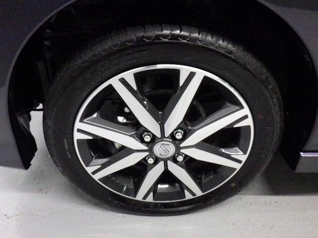 タイヤサイズ「165/55R15」純正のアルミホイールで外観もかっこよく、燃費向上にも一役かっていますよ