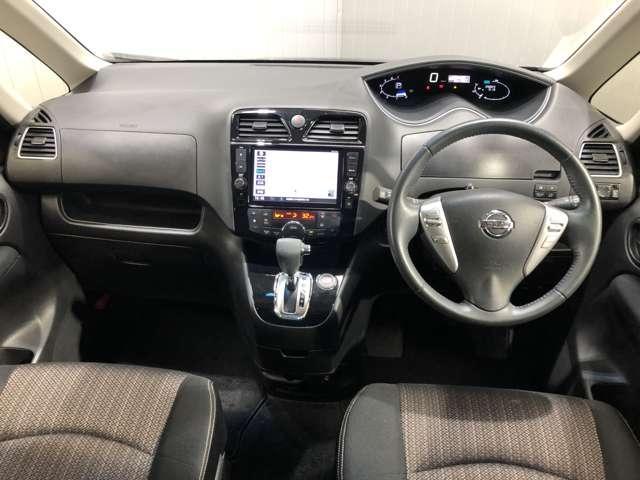 フロントガラスを大きくデザインしているので、運転席からの死角が少ない分安心して運転していただけます★