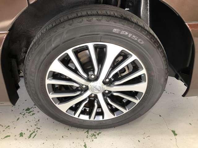 セレナハイウェイスター専用16インチアルミホイール!内側のグレーのデザインがタイヤを大きく見せています★