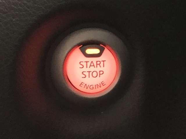 車内でもインテリジェントキーを取り出すことなくエンジンが始動できるプッシュスターターの採用で、使いやすさを高めています。