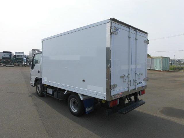 いすゞ 2トン 中温 冷凍車(5枚目)