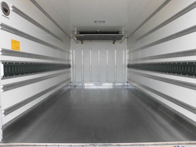 いすゞ 2トン 中温 冷凍車(6枚目)
