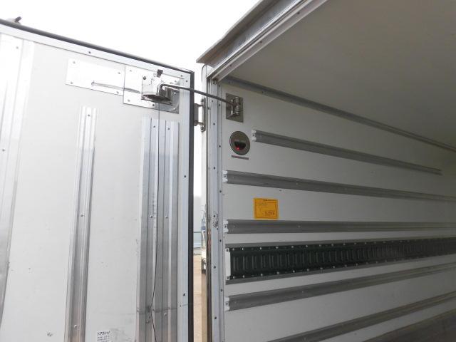 いすゞ 2トン 中温 冷凍車(7枚目)