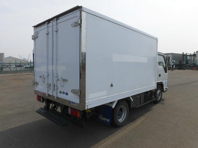 いすゞ 2トン 中温 冷凍車(9枚目)