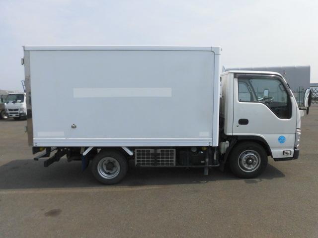 いすゞ 2トン 中温 冷凍車(10枚目)