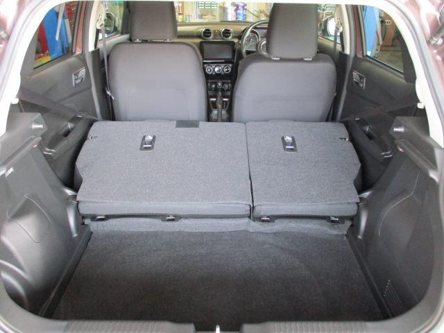 ラゲージスペース リヤシートを倒せば大きな荷物も積み込み可能