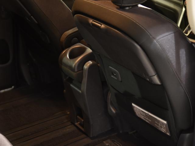 ハイウェイスター VセレクションII セレナC27ハイウェイスターVセレクション2 タナベ車高調RAYSベルサスリボルブ19AWタイヤ215/35/19 ロジャムフロントグリル カロッツェリアサイバーナビ10インチ プロパイロット付(70枚目)
