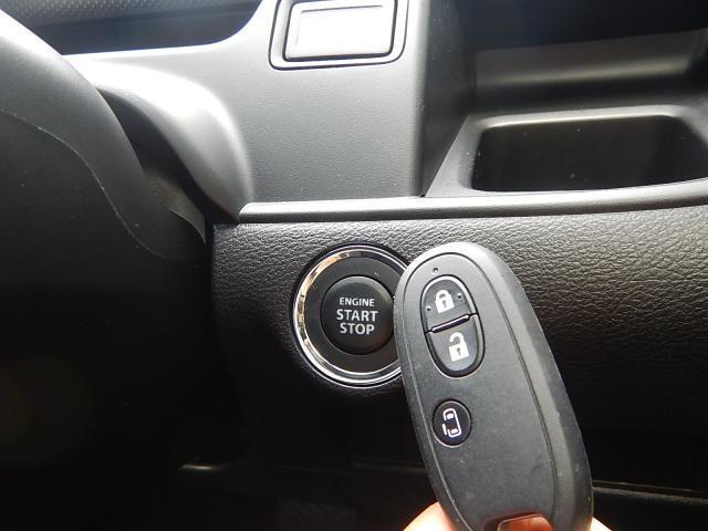 キーレスプッシュスタートシステムを採用しております!ボタン一つでエンジン始動が可能なので、キーを探すこともなくなりますね!