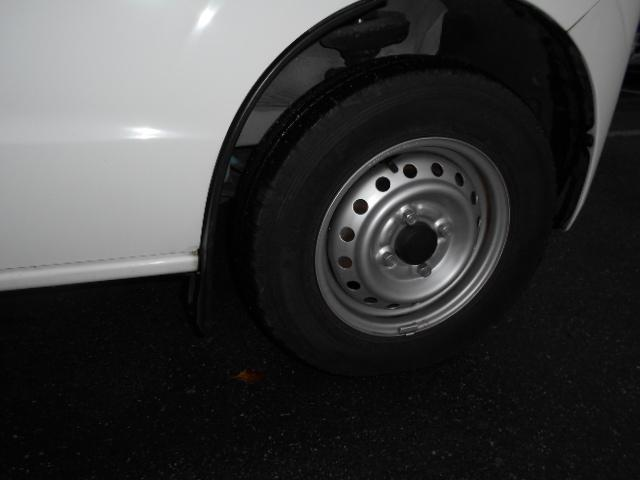バン用タイヤを履いております。このまま車検を通せます。