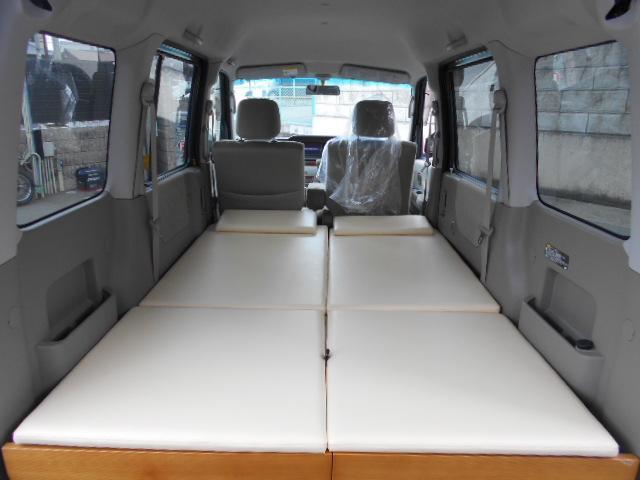 フラットな就寝用スペースが自慢です。最大で奥行き190cm 幅123sm 高さ103cmあります。2人の就寝スペースを確保できます。