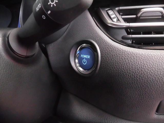 鍵を持っていればドアロック、解除、エンジン始動も楽々!!イチイチ鍵を出す手間も無くなります。悪天候時には、特に重宝します