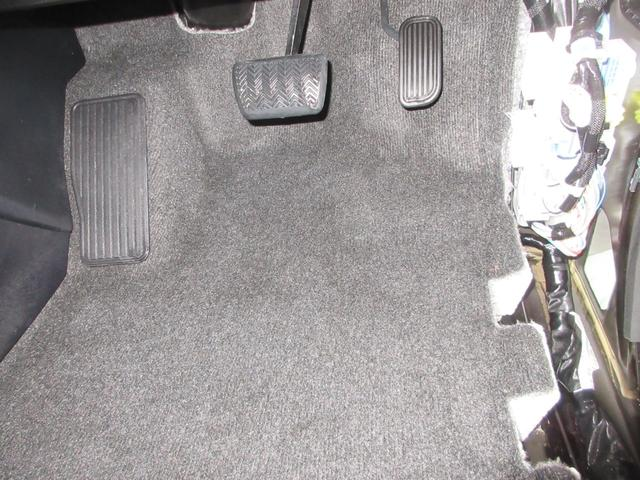 2.5Z Gエディション スマートキー 横滑り防止装置 衝突被害軽減ブレーキ 障害物センサー バックカメラ フルセグSD ETC 電動リアゲート ワンオーナー LEDヘッドライト オットマン サンルーフ 盗難防止装置(26枚目)