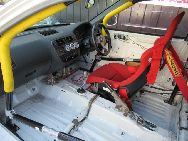 タイプR EK9 B20Bエンジン レースカー 10点式ロールバー Fインテーク FRPボンネット FRPフロントフェンダー FRPドア アクリルウィンドー ワイドラジエター オイルクーラー メッシュBホース(15枚目)