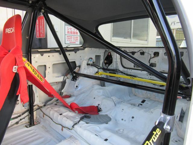 タイプR EK9 B20Bエンジン レースカー 10点式ロールバー Fインテーク FRPボンネット FRPフロントフェンダー FRPドア アクリルウィンドー ワイドラジエター オイルクーラー メッシュBホース(18枚目)