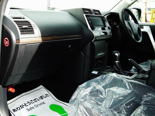 足元ひろびろのフロントシートスペース☆
