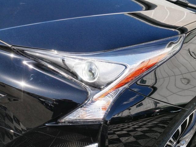 純正LEDヘッドライト☆オプションで当店オリジナルのLEDイカリングインナーブラックヘッドライトに変更も可能です☆もちろん車検対応品で、高輝度LEDイカリングですので、存在感ありますよ☆