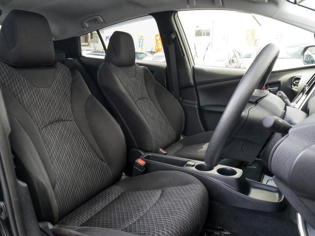 座り心地の良いフロントシート☆シートカバーのお取り付けもご用命くださいませ☆