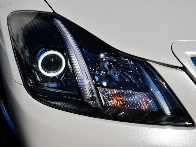 当店オリジナルLEDイカリングヘッドライト☆車幅灯も上部まで光るロングタイプにLEDで加工、グリル側のラインも通常純正は光りませんがLEDで加工し光ります☆リングの針金も目立たないように加工しています