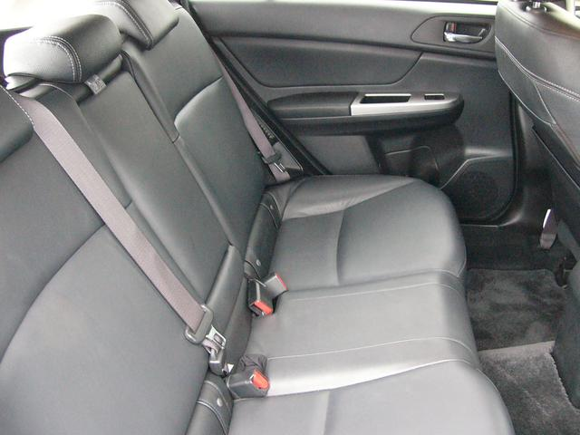 「スバル」「XVハイブリッド」「SUV・クロカン」「和歌山県」の中古車14