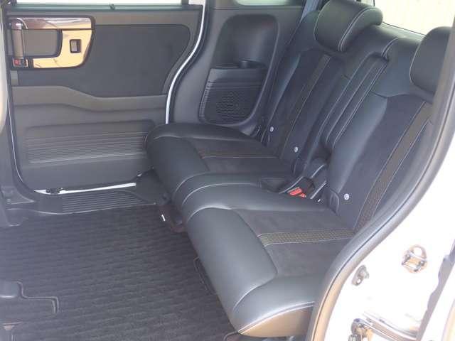 G・Lターボホンダセンシング オーディオレス 両側パワースライドドア キーフリー ESC LEDヘッド ターボ車 バックカメ クルコン ETC スマートキー アルミ ベンチシート アイドリングストップ 盗難防止装置 ABS(12枚目)