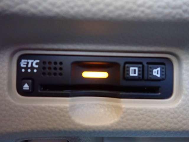 G・Lホンダセンシング 純正ナビ Rカメラ ETC 地デジ アイスト AC ナビTV DVD LEDヘッド メモリーナビ 横滑り防止装置 両側スライド片側電動 スマートキー 盗難防止システム キーフリー CD(3枚目)
