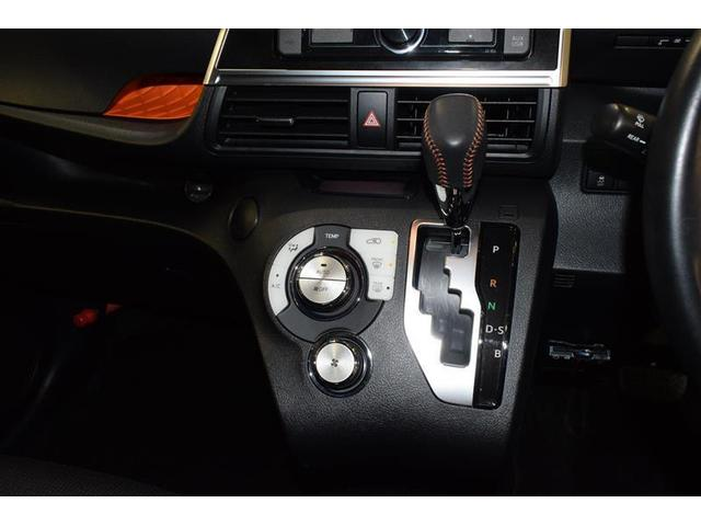 G クエロ ミュージックプレイヤー接続可 衝突被害軽減システム ETC LEDヘッドランプ ウオークスルー 乗車定員7人 3列シート アイドリングストップ(18枚目)
