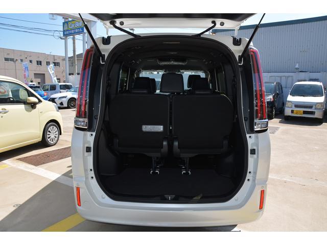 「トヨタ」「エスクァイア」「ミニバン・ワンボックス」「兵庫県」の中古車15