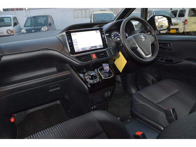 アルパイン11インチBIG-Xヴォクシー専用ナビ、舵角対応マルチビューバックカメラ、ETC音声タイプ(セットアップ込み)フロアマット付きです。ナビセットは安心5年保証付き、地図更新5年特典付き^^
