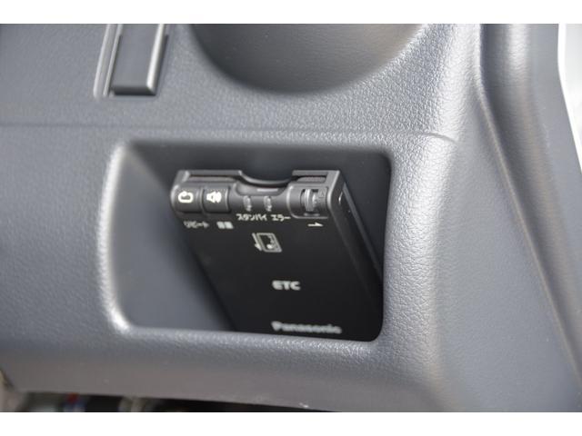 X 2WD 5AGS ブルーレイ搭載ナビETCマット付(7枚目)