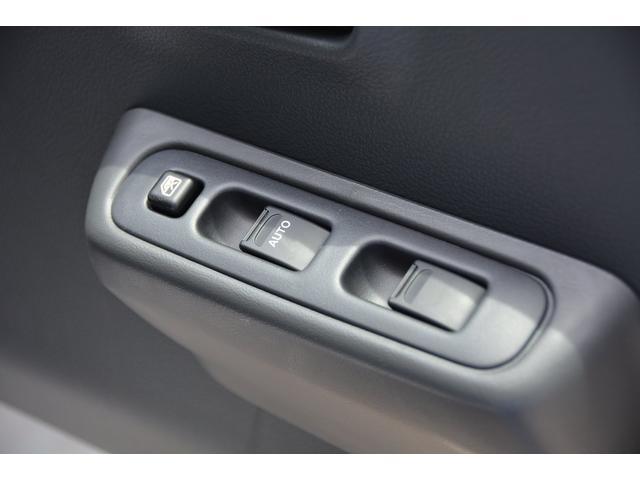 X 4WD 3AT ブルーレイ搭載フルセグナビETCマット付(9枚目)