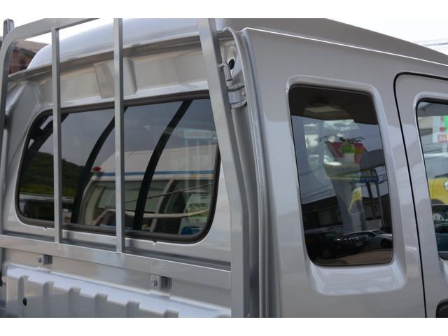 クォーターガラスと、キャビンのバックガラスにはスモークガラスを採用!お問い合わせは079-280-1118、カーズカフェ カーベル姫路東までお気軽にお電話ください^^