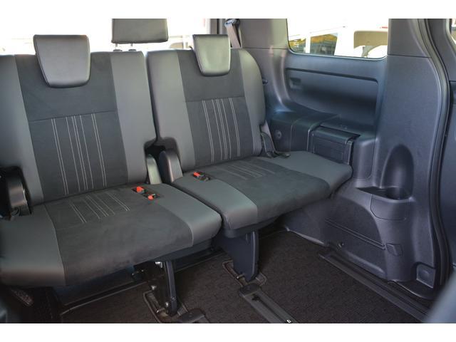 サードシートもゆったりと座れます^^快適です♪お問い合わせは079-280-1118、カーズカフェ カーベル姫路東までお気軽にお電話ください^^