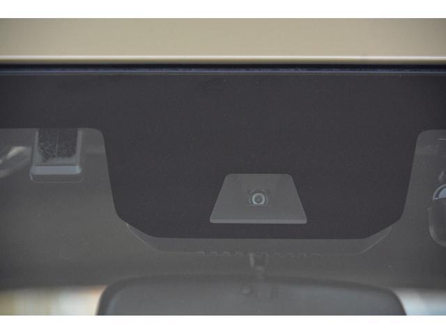 軽バン初の助手席側センターピラーレス仕様(ドアインピラー構造)を採用!助手席側に大きな開口部が生まれ、荷室へのアクセスが向上しました♪ピラー機能は助手席ドアとスライドドアに内蔵し、衝突安全性能も確保